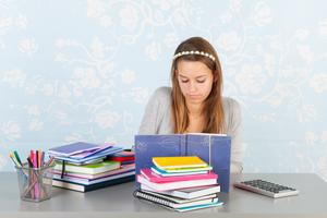 Comment réussir la redaction de la revue de littérature de votre mémoire de Marketing en école de commerce ?