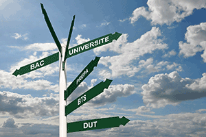 Intégrer une école de commerce après un BTS/DUT