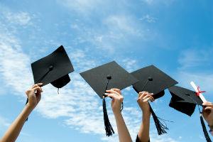 Les diplômes des écoles de commerce