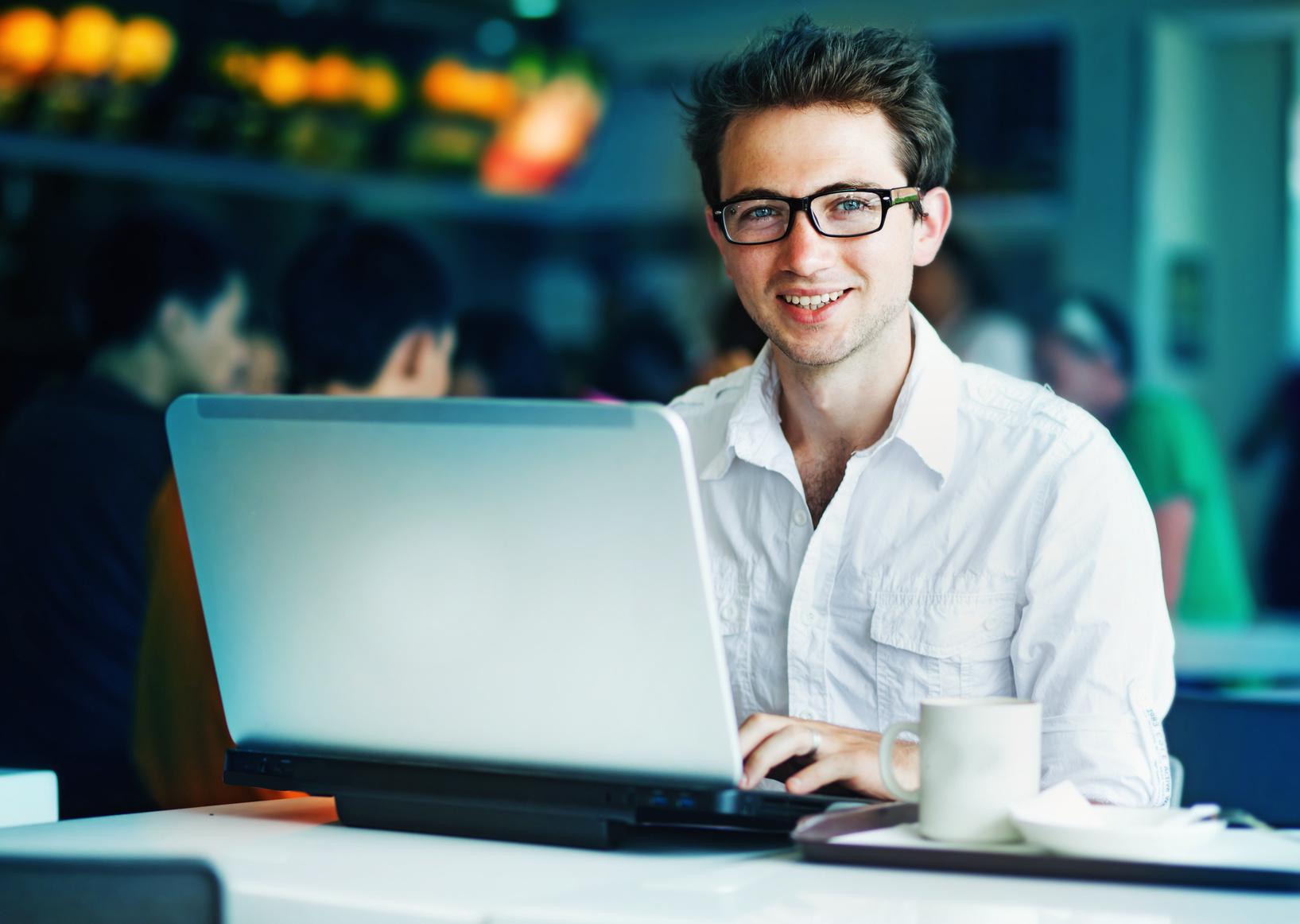 Travailler pour financer une partie de ses études